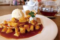 バナナキャラメルパンケーキ+紅茶